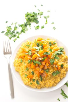 You need to try this vegan butternut squash risotto, it's absolutely amazing, super healthy and really easy to make! Healthy Low Carb Recipes, Raw Vegan Recipes, Veggie Recipes, Vegetarian Recipes, Fall Recipes, Butternut Squash Risotto, Vegan Meal Prep, Vegan Blogs, Food Dishes