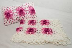 Delicada Colcha Cuna Tejida Al Crochet Con Almohadon - en MercadoLibre
