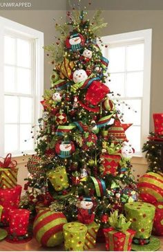 love green and red, I am doing this next year using Dr. Seuss the Grinch, will be great hats and all!
