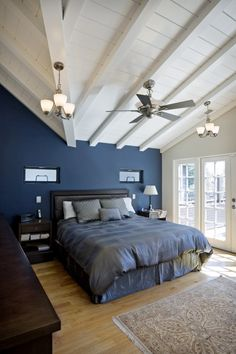 Looking for blue bedroom design ideas for your next project? Browse photo gallery of trendy blue bedroom designs to get you inspired. Dark Blue Bedrooms, Navy Bedrooms, Blue Bedroom Walls, Blue Bedroom Decor, Farmhouse Bedroom Decor, Blue Rooms, Bedroom Colors, Bedroom Black, Blue Walls