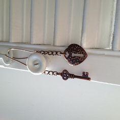 charm dangle earring