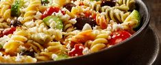 Greek Pasta Salad With Fusilli, Tomatoes, Cucumbers, Black Olives and Feta in an Oil and Vinegar Dressing. Healthy Diet Recipes, Salad Recipes, Healthy Food, Greek Salad Pasta, Pasta E Fagioli, Weekday Meals, Eat To Live, Best Appetizers, Fusilli