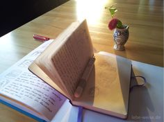 Morgenseiten werden schnell und ohne abzusetzen geschrieben. Sie haben eine stark klärende Wirkung und können Grübelei unterbrechen. #Morgenseiten #Tagebuch http://lebe-weise.de/2014/07/morgenseiten-schreiben/