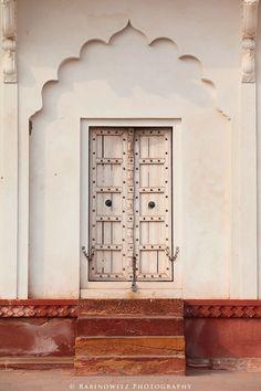 Adam Rabinowitz Doors of India Open Door Policy, Photo Pattern, Cool Doors, Indian Homes, Architectural Features, Door Wall, Moroccan Decor, Historical Architecture, Colour Board
