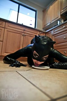 Sexy Catwoman Cosplay http://geekxgirls.com/article.php?ID=1790