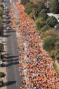 Sea of orange at the SPAR Ladies Race 2012.
