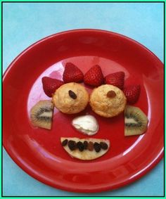 Food Faces!!! This simple and creative idea turns the ordinary meal into something fun and exciting for your toddler!