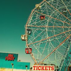 Vintage / Retro / Ferris / New York / Circus / Photography by ►CubaGallery, via Flickr