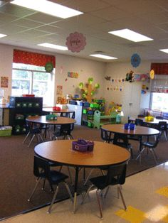 Love this Kindergarten classroom...and the blog