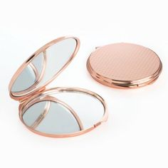 Round compact mirror available in silver or rose gold, textured design, ideal for weddings, teens an Rose Gold Mirror, Rose Gold Plates, Double Sided Mirror, Wedding Gifts For Bridesmaids, Rose Gold Watches, Jewellery Uk, Personalized Favors, Amber Jewelry, Compact Mirror