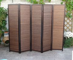 Breed Walnut Kamerscherm. 5 panelen van 44 cm, dus wel 220 cm breed.  #roomdivider #kamerschermen ~ http://www.canvasscherm.nl/kamerscherm-walnut-5-panelen.html