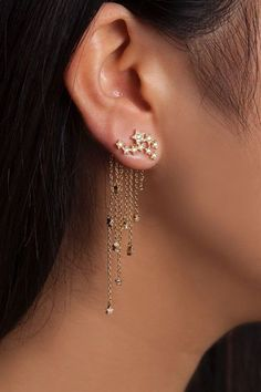 If you love jewelry, then you definitely love earrings, and consider them as a big player in your style game. Although they're so tiny, they make huge difference in the way you look, so they have to be as unique as any other part of your style. To help you with this, we've collected some amazing styles to give you an inspiration for your next earrings.