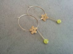 Gold Hoop Earrings, Hoop Earrings, Gold Hoops, Gold Earrings, Gold Hoop, Flower Hoops, Flower Hoop Earrings, Flower Earrings,Bridal Earrings gold hoop earrings, hoop earrings, hoops combine with a flower and yellow stone Made of 24k gold plated.  Hoops Diameter: Length: 2.54 inch 3 cm Width: 0.9 inch 2.4 cm