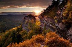 Desde la colina Ruzovy vrch en el Parque Nacional de la Suiza de Bohemia, al norte de Nos lo mandan Turismo de República Checa.  CzechTourism España