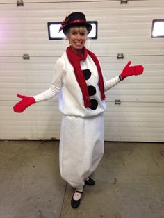 Frosty the snowman Snowman Costume, Challenges To Do, Reindeer Games, Frosty The Snowmen, Christmas Holidays, Xmas, Winter Months, Costumes, Costume Ideas