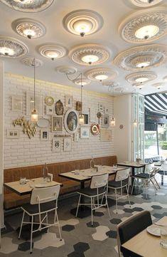 Malamén è un ristorante a Città del Messico che racconta una piccola fiaba. La storia è quella di una ragazza (Malamén per l'appunto) che gi...