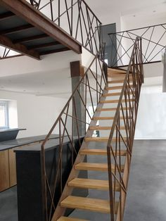 Interior Stair Railing, Modern Stair Railing, Stair Handrail, Staircase Design, Handrail Ideas, Entryway Stairs, Rustic Stairs, Open Stairs, House Stairs