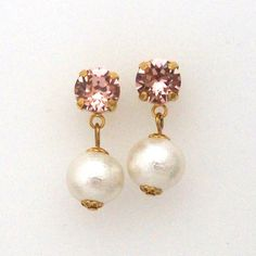 Classy white cotton pearl earrings with vintage pink Swarovski crystals, Titanium Earrings for Sensitive Ears, Bridal Earrings,コットンパールピアス、スワロフスキーピアス #cottonpearl #cottonpearlearrings #pearlearrings #swarovskiearrings #pinkswarovskiearrings #whitepearlearrings #bridalearrings #bridalpearlearrigs #weddingearrings #weddingpearlearrings #bridalswarvskiearrigs #コットンパールピアス