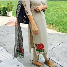 Paint love The punjaban❤ Punjabi Salwar Suits, Pakistani Dresses, Indian Dresses, Indian Suits, Indian Attire, Indian Wear, Kurta Designs, Blouse Designs, Style Indien