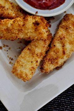 Healthy Homemade Fish Sticks I howsweeteats.com
