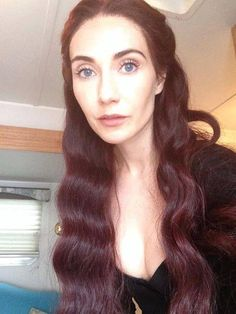Carice von Houten in full Melisandre make-up, so beautiful its ridiculous!