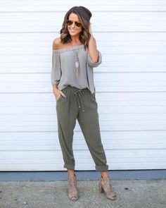 Pants like these are perfect for SD weather paired with a slimmer top ♥️