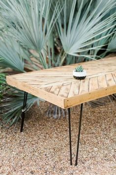This coffee table is 48in X 25in X 2in. I can also make a different size with…