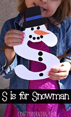 S is for Snowman Winter Craft for Kids #Christmas #Alphabet art project | CraftyMorning.com