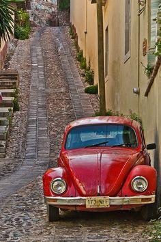 Cobblestone roads and crazy taxi drivers - my memories of Guanajuato, Mexico. Good times.