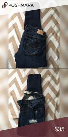 Abercrombie skinny jeans Abercrombie & Fitch jeans size 2 short, only worn once! In perfect condition! Abercrombie & Fitch Jeans Skinny