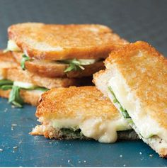 brie apple grilled cheese