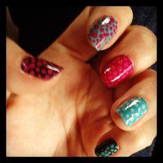 Dot nails