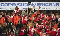 Santa Fe Campeón Sudamericana (55 de 1) Champions, Fes, Video Game, Baseball Cards, Breakfast Nook, Santa Fe, Photo Galleries, Backgrounds, Video Games