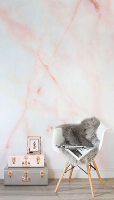 Love these strawberry milkshake hues! This faux marble wallpaper design combines beautiful pastel pink hues with the complex and mesmerising texture of marble. Its a versatile design that would look beautiful in living room and bedroom spaces.