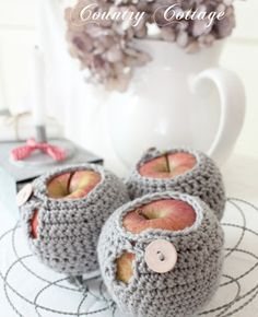 Tasty Apples in a Jacket (with pattern link). Absolutely no need for them but gosh they look cute.