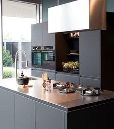 Schröder Fenix eiland keuken - Showroom Van Wanrooij