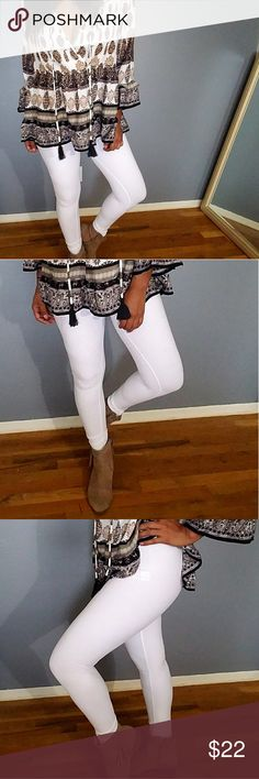 PEACH FUZZ WHITE LEGGINGS Oh my gosh! Am I crushing on white leggings These are super soft and feel fuzzy. Comfortable and plenty of stretch. Perfectly pairs with any top! Fit TTS. SIZES AVAILABLE: MEDIUM. PRICE FIRM UNLESS BUNDLED  Pants Leggings