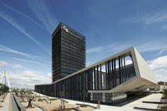 Spain's Caja Badajoz Savings Bank Mitigates the Sun With Impressive Metal Louvers