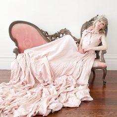 pink wedding dress - to DIE!