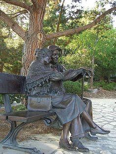 Bronze Statue, Carmel CA. Romance never dies