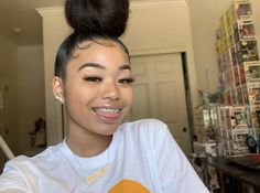 her ig: @0fficial.kalaa ♡ Baddie Hairstyles, Pretty Hairstyles, Straight Hairstyles, Slick Hairstyles, Eyebrow Makeup Tips, Hair Makeup, Braces And Glasses, Pressed Natural Hair, Curly Hair Styles