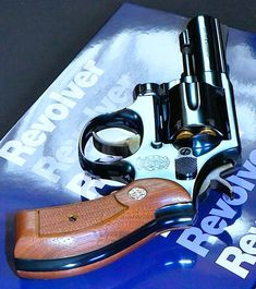 Smith Wesson, Firearms, Hand Guns, Weapons, Revolvers, Pistols, Radios, Classic, Weapons Guns