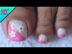 What Christmas manicure to choose for a festive mood - My Nails Cute Pedicure Designs, Toe Nail Designs, Cute Pedicures, Manicure And Pedicure, Feather Nails, Summer Toe Nails, Christmas Manicure, Nails Only, Girls Nails