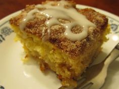 I don't remember where I got this recipe, but it's so sweet and simple, good for pound cakes, cinnamon rolls, whatever your little heart desires. Powdered Sugar Glaze, Sugar Icing, Vanilla Glaze, Flan, Pudding Recipes, Cake Recipes, Scones, Brownies, Glaze For Cake