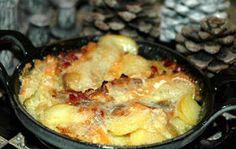 Lekker berghutten recept: tartiflette met aardappel, spek, ajuin en kaas in de oven