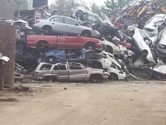 It's been cloned using an '04 and an array of parts taken off before being sent to the junkyard. Junkyard Cars, Grand Cherokee Limited, Vehicles, Car, Vehicle, Tools