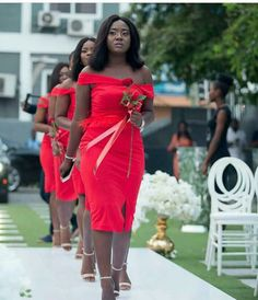 Latest Aso Ebi styles classic and Unique Aso Ebi Styles To Try Out African Bridesmaid Dresses, Short African Dresses, African Wedding Attire, Bridesmaid Dress Colors, Latest African Fashion Dresses, African Print Fashion, African Attire, Bridal Dresses, Lace Gown Styles