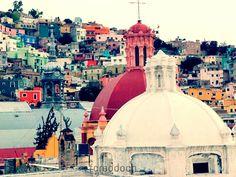 Guanajuato: Colorful Buildings