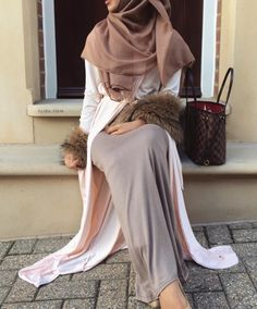 Hijab Fashion | Nuriyah O. Martinez | @rayhanafergani