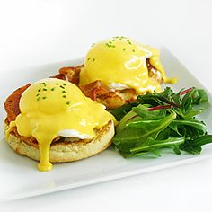 Eggs Benedict from scratch: buttermilk English muffins, locally cured bacon, and a quick & simple blender hollandaise recipe #foodgawker